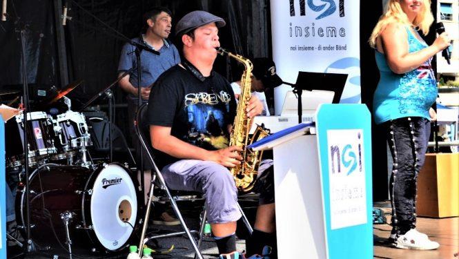 Sängerin & Saxophon